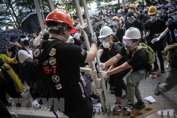 Hong Kong: Dung do giua canh sat chong bao loan va nguoi bieu tinh hinh anh 1