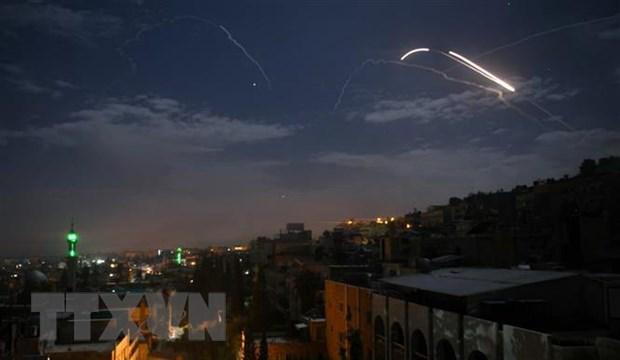 Syria thong bao ban ha nhieu ten lua cua Israel phong di tu Golan hinh anh 1