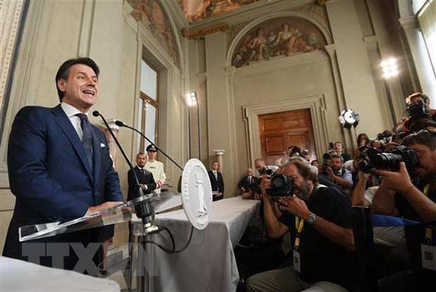 Italy: Chinh phu moi doi mat cuoc bo phieu tin nhiem dau tien hinh anh 1