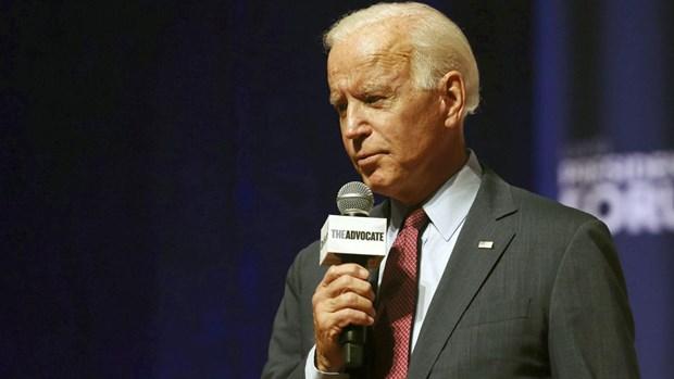 Ung vien Biden to Tong thong Trump lam dung quyen luc nghiem trong hinh anh 1