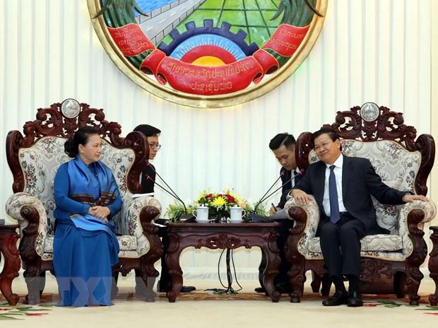 Chu tich Quoc hoi Nguyen Thi Kim Ngan hoi kien Thu tuong Lao hinh anh 1