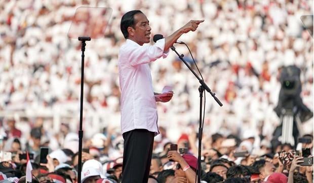 Indonesia cam cac quan chuc phat bieu bang tieng nuoc ngoai hinh anh 1
