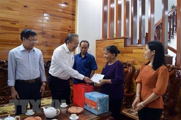 Pho Thu tuong Truong Hoa Binh lam viec voi lanh dao tinh Kon Tum hinh anh 3