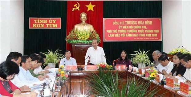 Pho Thu tuong Truong Hoa Binh lam viec voi lanh dao tinh Kon Tum hinh anh 2
