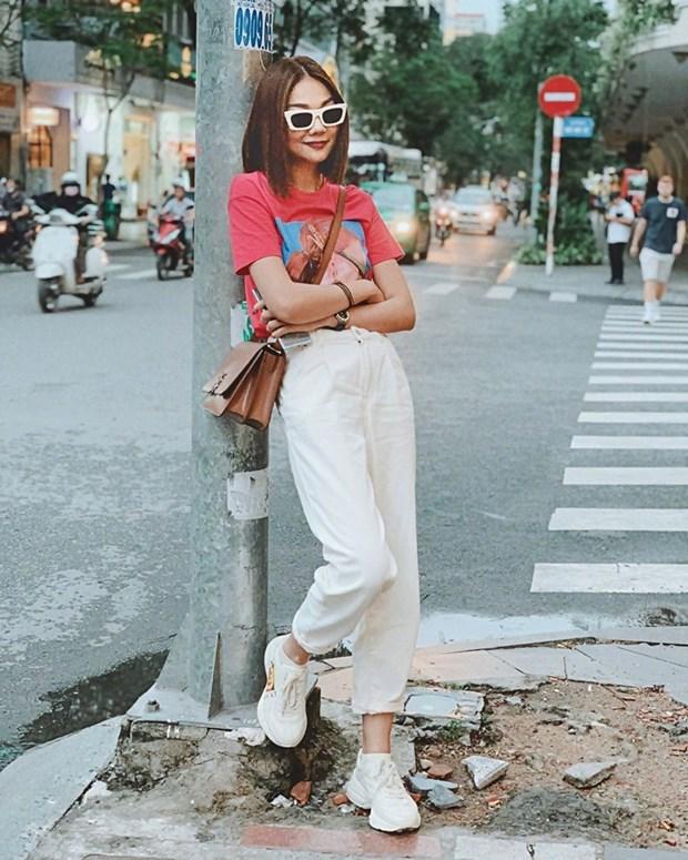 Street style dep me hon cua dan my nhan Viet trong tuan qua hinh anh 6