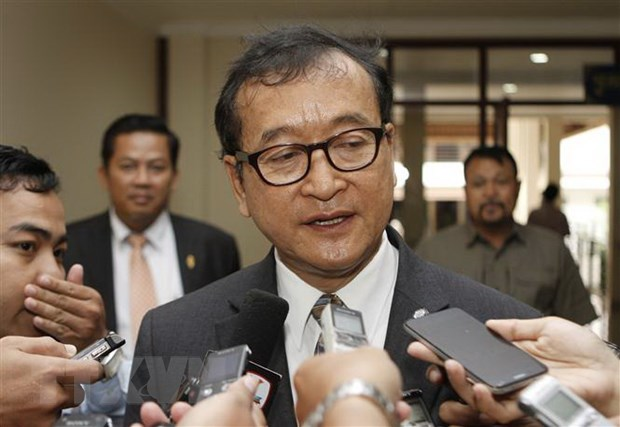 Thu linh doi lap Sam Rainsy tuyen bo hoan ke hoach tro ve Campuchia hinh anh 1