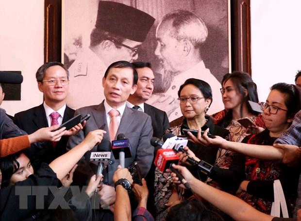 Ky niem 60 nam chuyen tham cua Bac Ho va Tong thong Sukarno hinh anh 1