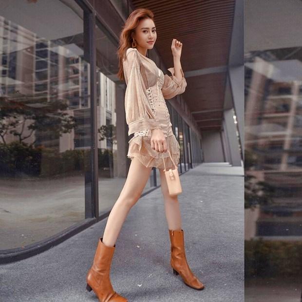 My nhan Viet muon mau muon ve voi phong cach street style sanh dieu hinh anh 1