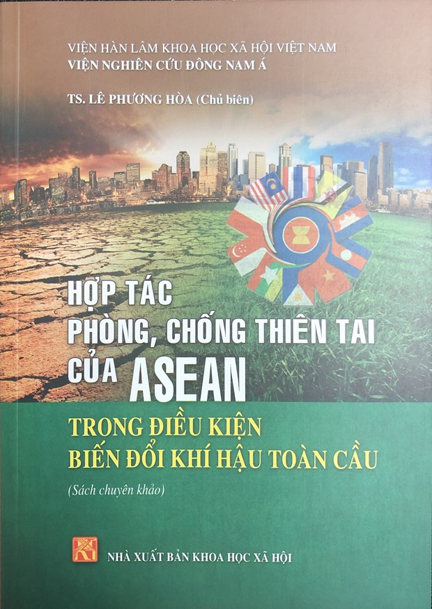 Ra mat cuon sach ve hop tac phong, chong thien tai cua ASEAN hinh anh 1