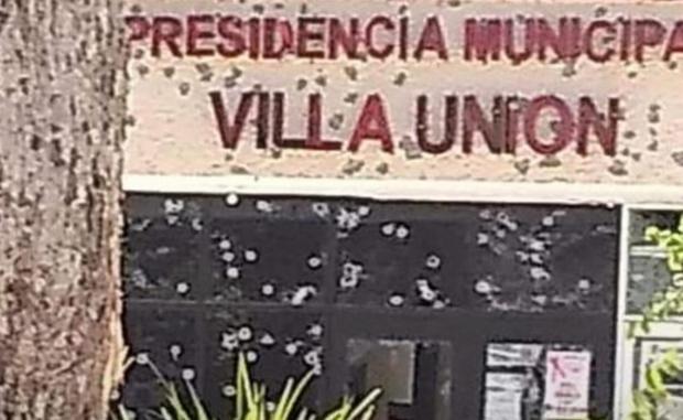 Mexico: Dau sung voi bang toi pham gan bien gioi My, 14 nguoi chet hinh anh 1