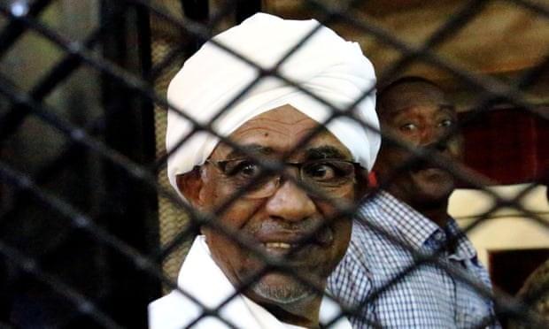 Toa an Sudan tuyen phat cuu Tong thong Omar al-Bashir vi tham nhung hinh anh 1