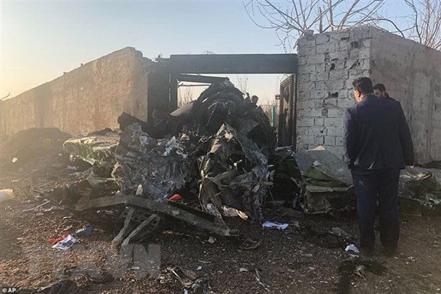 Ukraine: May bay roi o Iran do truc trac dong co, khong phai khung bo hinh anh 1