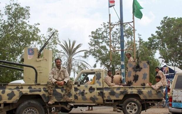 Phien quan Houthi khong kich, it nhat 70 binh sy Yemen thiet mang hinh anh 1