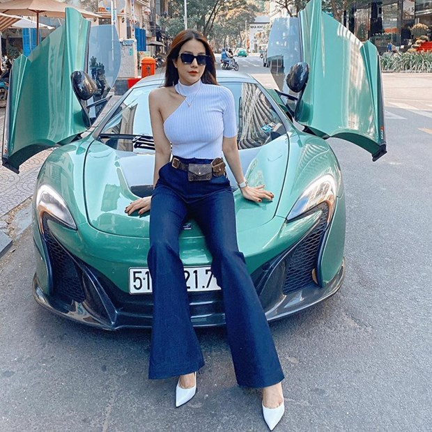 Ho Ngoc Ha va dan my nhan Viet khoe street style du lich dau nam hinh anh 12