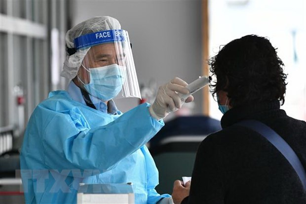 Hong Kong: Benh nhan nhiem virus corona dau tien duoc chua khoi hinh anh 1