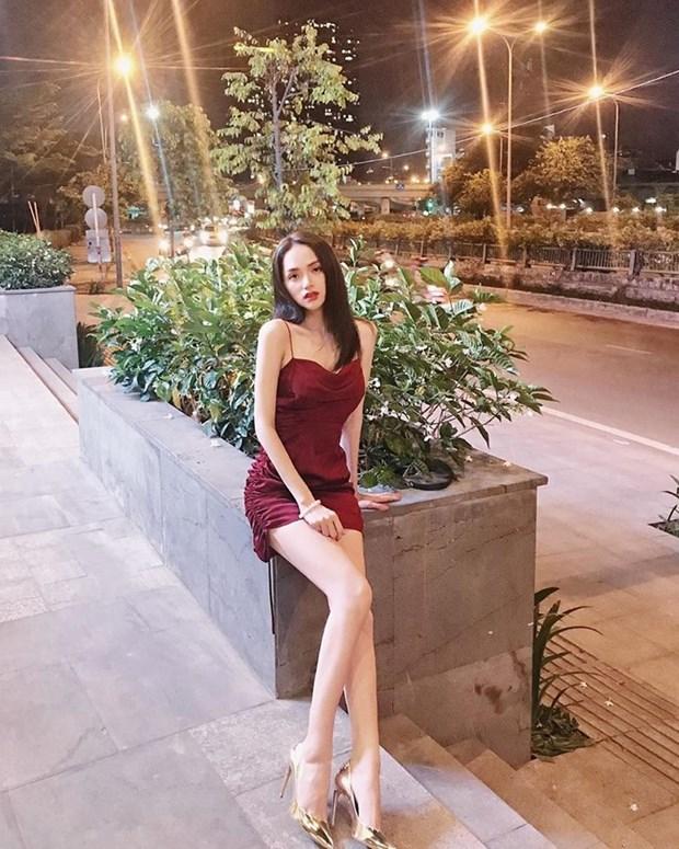 Hoang Thuy Linh, Phi Phuong Anh dan dau top sao mac dep tuan qua hinh anh 13