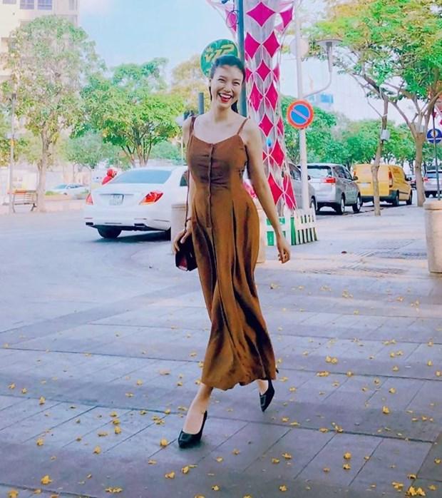 Hoang Thuy Linh, Phi Phuong Anh dan dau top sao mac dep tuan qua hinh anh 22
