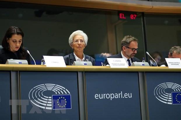 Gioi phan tich: ECB co the phai hanh dong de doi pho voi dich COVID-19 hinh anh 1
