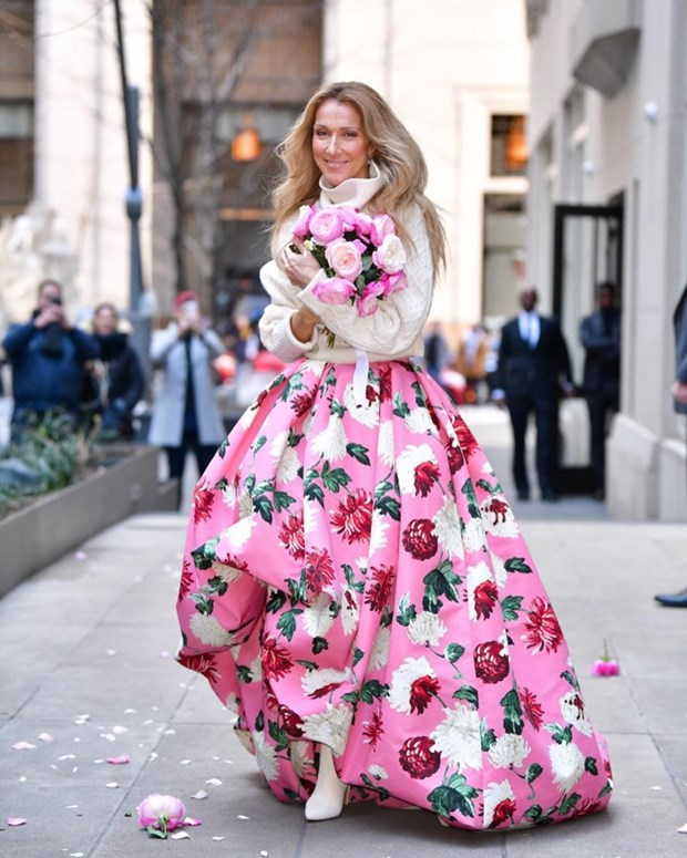 Celine Dion bien duong pho New York thanh san catwalk cua rieng minh hinh anh 4
