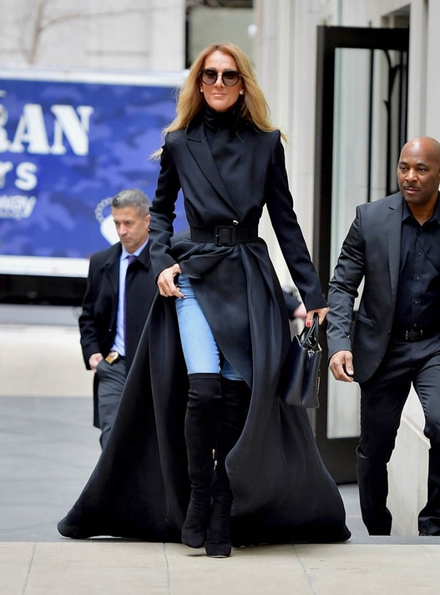 Celine Dion bien duong pho New York thanh san catwalk cua rieng minh hinh anh 6