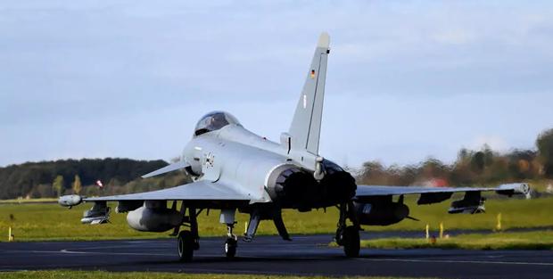 Duc se thay the phi doi Tornado bang tiem kich co Eurofighter hinh anh 1