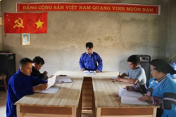 "Nhan su Dai hoi: De can bo mai la ""day to trung thanh cua nhan dan"" hinh anh 2"