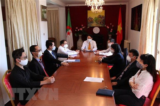 Birth anniversary of Ho Chi Minh in Algeria and Venezuela picture 2