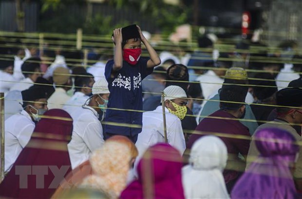 Indonesia: Cac den tho, noi tho tu tai thu do Jakarta mo cua tro lai hinh anh 1