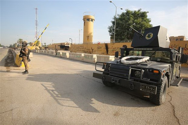 Iraq: Tan cong bang rocket nham vao can cu quan su gan thu do hinh anh 1