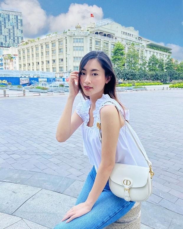 Chau Bui, Ninh Duong Lan Ngoc do street style cung dan sao Viet hinh anh 2