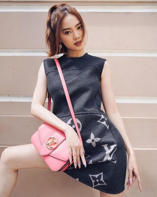 Chau Bui, Ninh Duong Lan Ngoc do street style cung dan sao Viet hinh anh 3