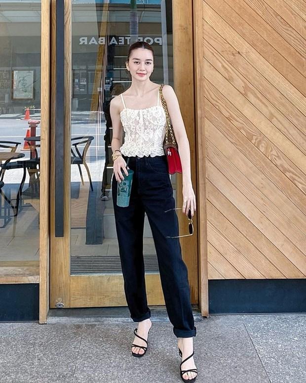 Chau Bui, Ninh Duong Lan Ngoc do street style cung dan sao Viet hinh anh 10