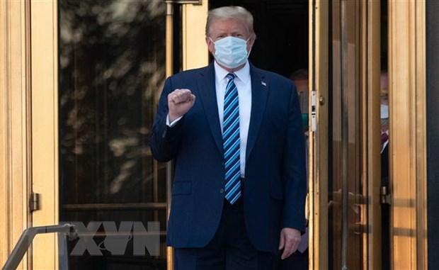 Bac sy xac nhan ong Trump khong con nguy co truyen benh COVID-19 hinh anh 1