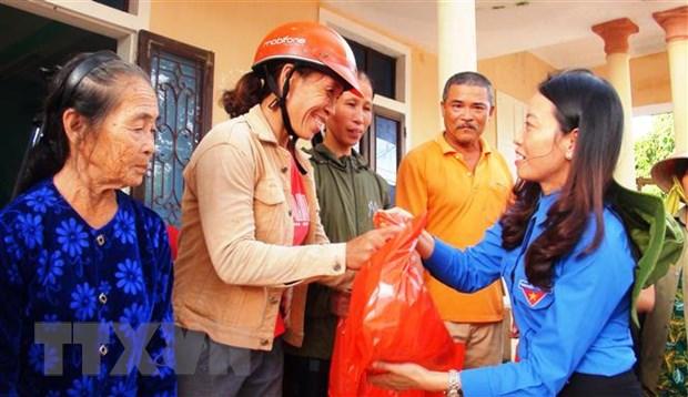 Tuoi tre Quang Binh xung kich, dong hanh cung nguoi dan vung lu hinh anh 1