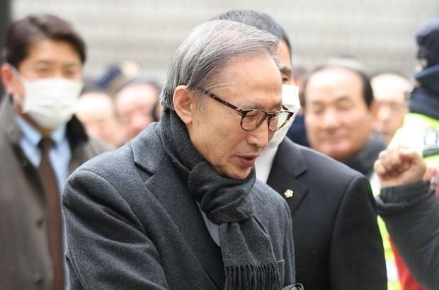 Han Quoc: Cuu Tong thong Lee Myung-bak bi phat 17 nam tu giam hinh anh 1