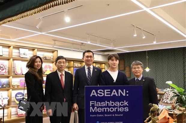 Khai truong gian hang van hoa va du lich ASEAN tai Han Quoc hinh anh 1