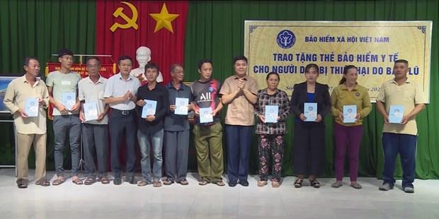 Ho tro nguoi lao dong, nhan dan vung lu Ha Tinh, Phu Yen, Quang Nam hinh anh 2