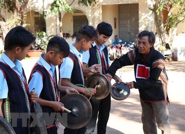 Cong chieng Tay Nguyen - diem nhan ve van hoa, du lich giua dai ngan hinh anh 1