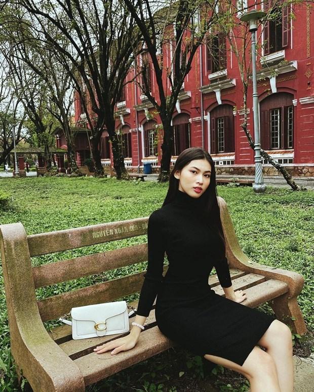 Phong cach banh beo phu song street style cua dan sao Viet hinh anh 26
