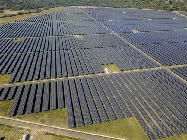 Nhà máy điện Mặt Trời Sao Mai-An Giang với tổng vốn đầu tư hơn 6.000 tỷ đồng hoàn thành sau 2 năm xây dựng. Ảnh: Thanh Sang/TTXVN