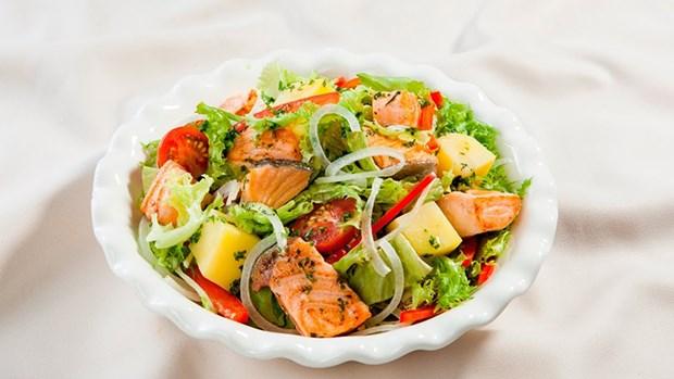 Mach nang cong so meo lam salad ngon dung chuan nha hang hinh anh 5