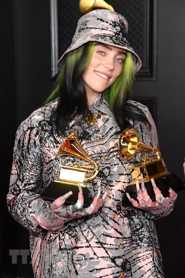 Su len ngoi cua phai dep tai le trao giai Grammy 2021 hinh anh 2