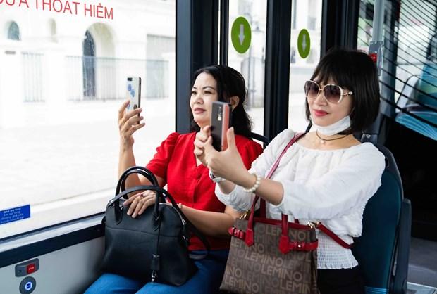 """Kham pha xe buyt dien dau tien tai Viet Nam voi trai nghiem """"cuc chat"""" hinh anh 4"""