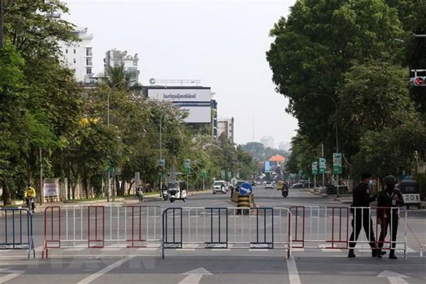 Gan 9.000 ca nhiem COVID-19, Campuchia tang kiem soat phong toa hinh anh 1