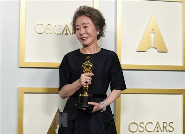 Nguoi Han Quoc an mung chien thang Oscar cua dien vien Youn Yuh-jung hinh anh 1