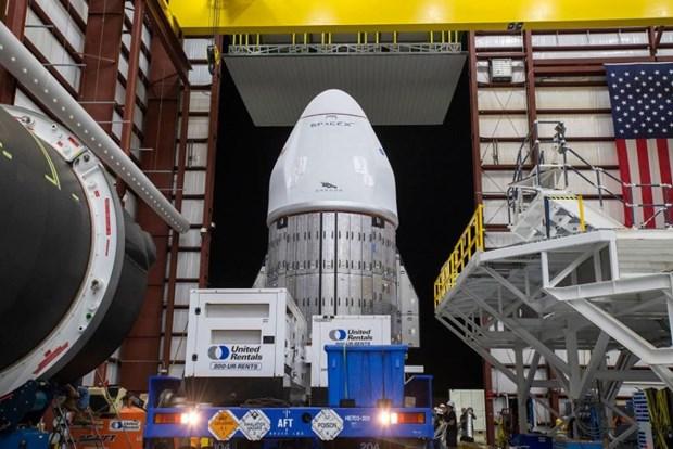 Cong ty SpaceX dua nhieu