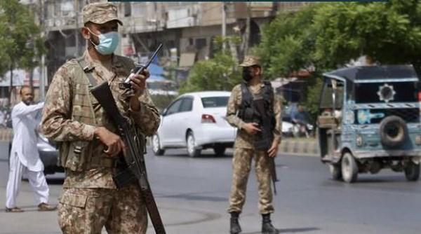 Pakistan trien khai quan doi chinh quy toi bien gioi voi Afghanistan hinh anh 1