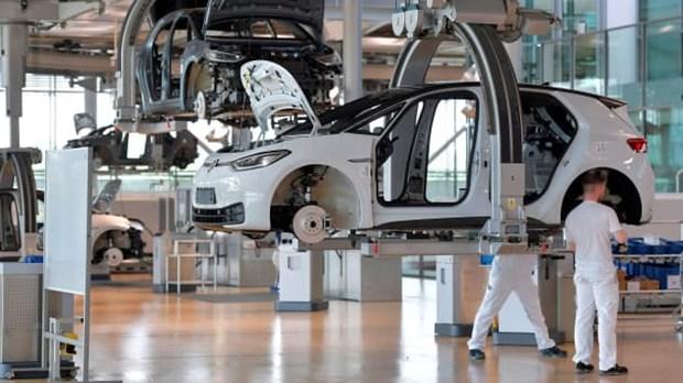 Volkswagen du bao luong xe ban giao giam do thieu chip ban dan hinh anh 1
