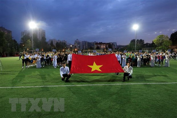 Cong dong nguoi Viet Nam tai Nga chung tay chong dich COVID-19 hinh anh 1