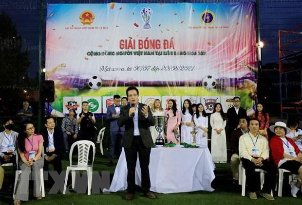 Cong dong nguoi Viet Nam tai Nga chung tay chong dich COVID-19 hinh anh 2